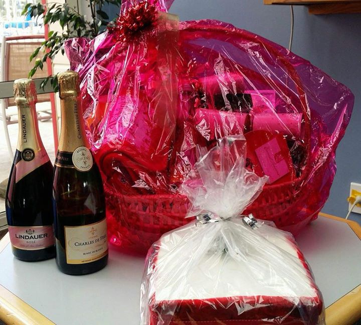 A big congratulations to Graeme Devine who was the winner of the TBCC Christmas hamper  ????????????